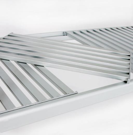 Aluminium shelf panel